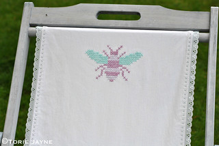 Cross stitch bee