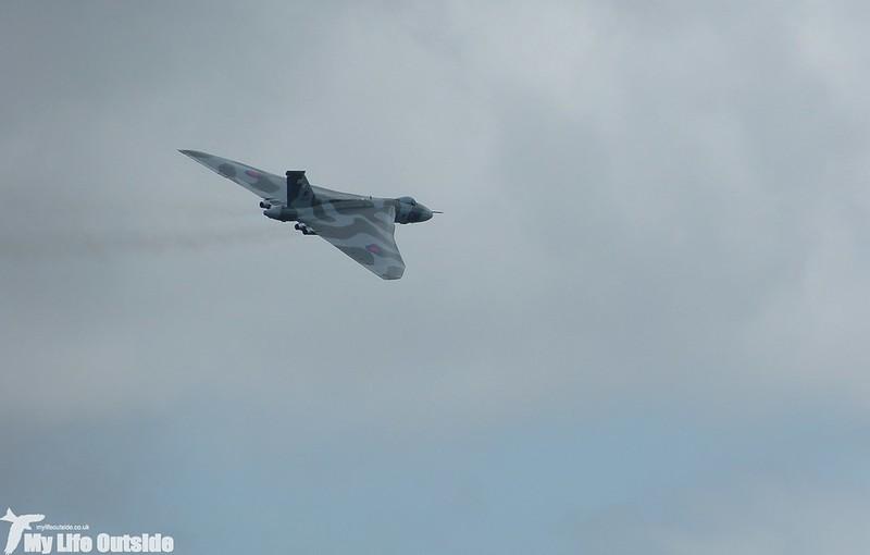 P1140043 - Vulcan XH558, Swansea Bay