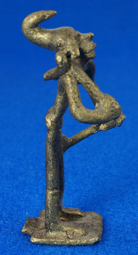 RD14630 4 Vintage African Hand Made Folk Art Primitive Figurines Solid Cast Brass Burkina Faso Yoruba West Africa DSC07078