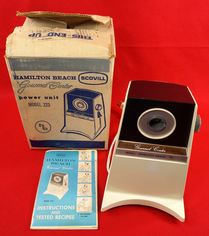 RD9226 Vintage Hamilton Beach Gourmet Center Model 223 with Instruction Booklet in Box DSC08508