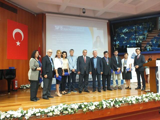 """Prof. Dr. Tayfun Uzbay'a """"En İyi Bilim İnsanı"""" ödülü"""