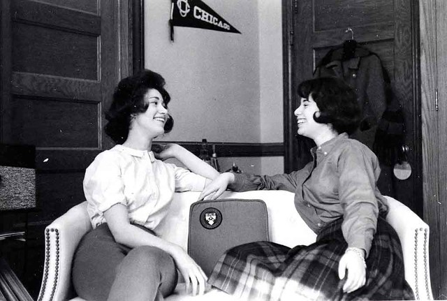 1950s-Students-Laugh-on-Sofa-Vassar