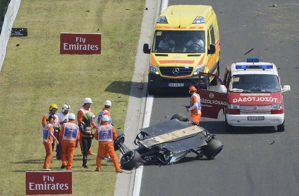 'Checo' Pérez sale ileso de aparatoso accidente en Hungría