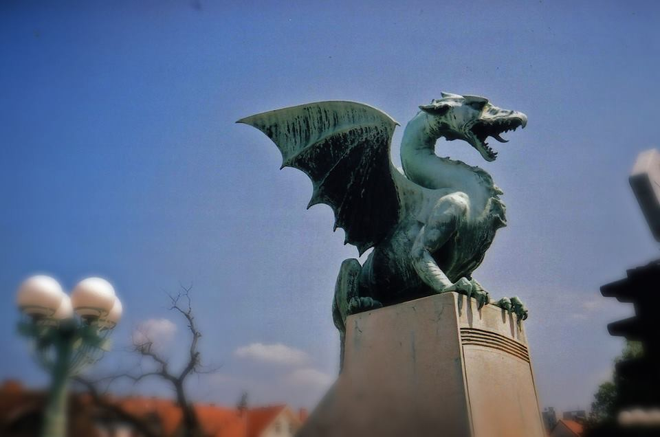 Dragon on Dragon Bridge