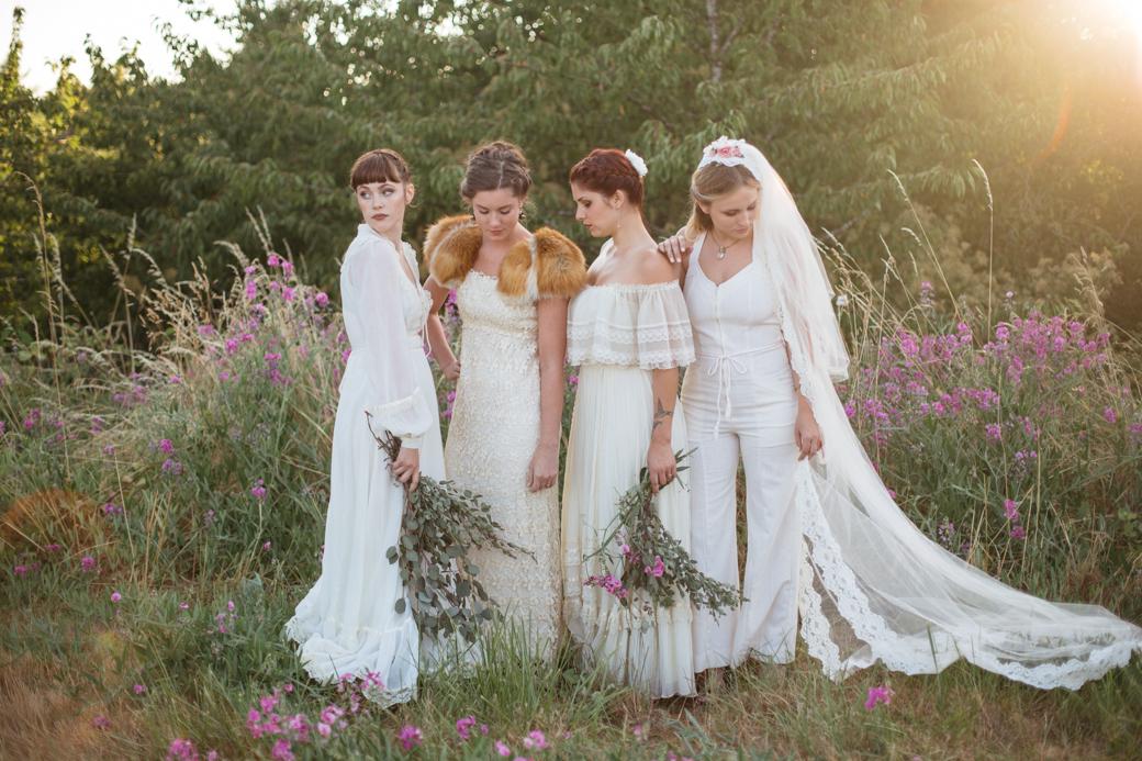 Liz Morrow Studios | Winnebago Brave Styled Vintage Bridal Inspiration