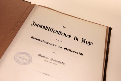 Retumu lasītavas ekspozīcija «Pagātnes elpa bibliotēkā»