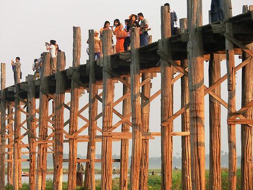 Myanmar: Inwa a Amarapura aneb Víme, jak restartovat PC, ale z čeho pochází nit?