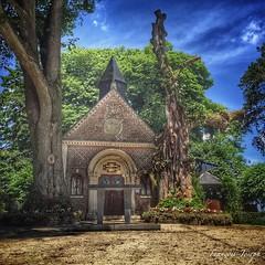 Coucou / Hello. •  Pause déjeuner en méditation.✨  Lunch break in meditation.✨ • 🌍 Lannoy-Cuillère, France. 📅 June 25th, 2015 ⌚️ 13:14. • ✒️  Une pause spirituelle à la chapelle du Dieu de Pitié. :bla