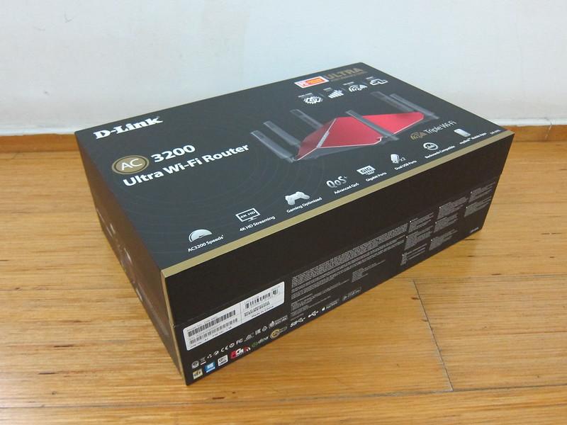 D-Link DIR-890L - Box