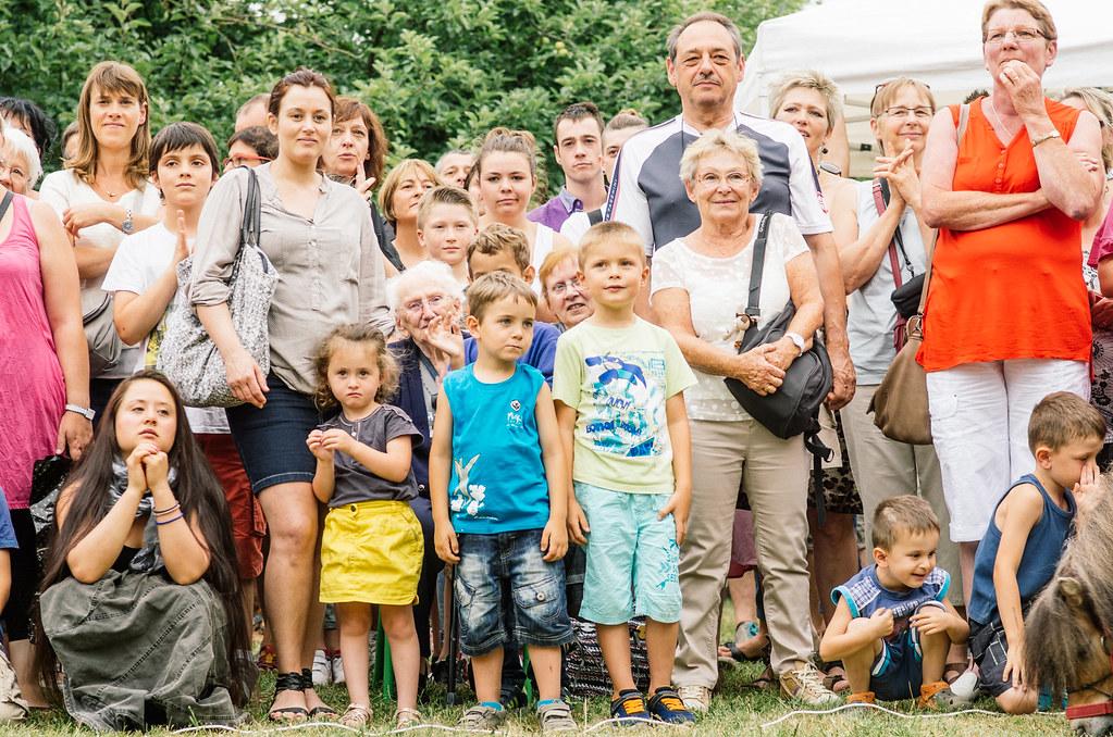 Tourisme vert en Haute Marne - Coup de chaud au paradis - La vieille dame dans le public