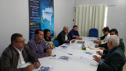 Prefeitos da Amvagra articulam agenda com governador Rui Costa