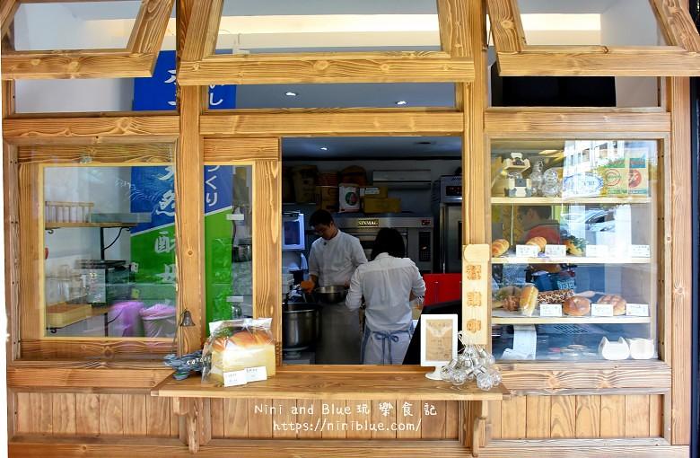 台中景點.柳川麵包彩繪屋.柳川麵包店.文學館旁14