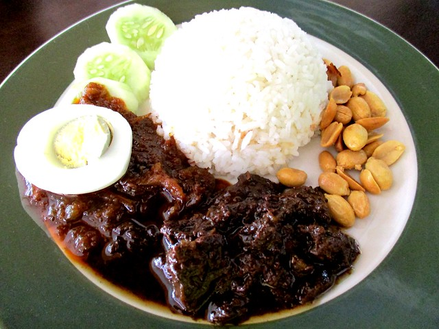 Colourful Cafe nasi lemak masak hitam