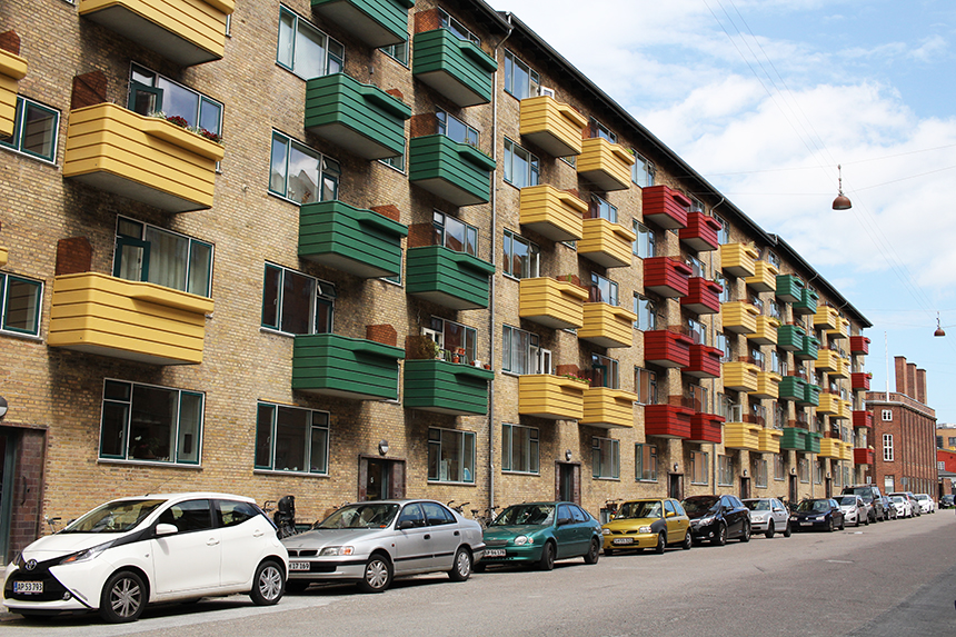 Colour-coordinated flats sm