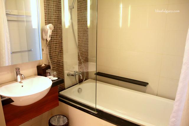 Jambuluwuk Malioboro Boutique Hotel Yogyakarta, Indonesia Toilet and Bath