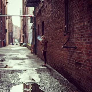 Time for a smoke. #streetstyle #streetphotographer #streetphotography #streettogs #streethunters #photography #photographyislife #everybodystreet #seattle #washington #nyc #nycspc