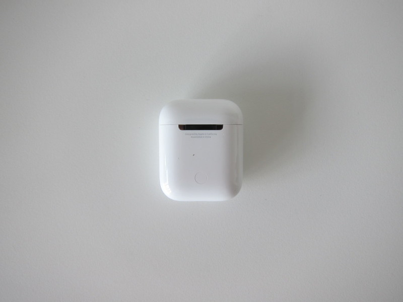 Apple AirPods - Charging Case - Back