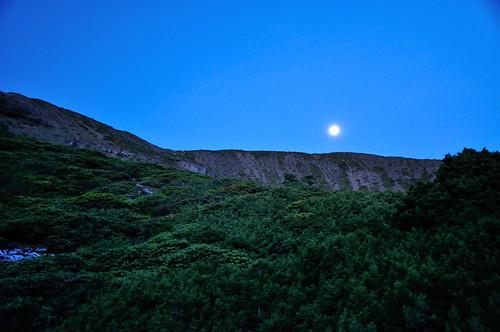 雪山圈谷-明月西沈