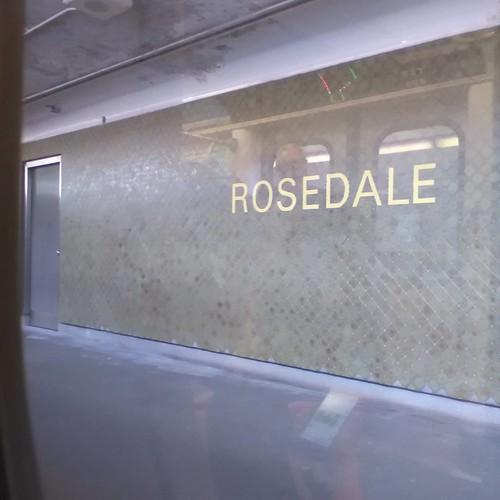 Rosedale through the window #toronto #ttc #subway #rosedale