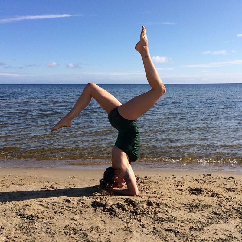 Yoga on the beach. #sandigt