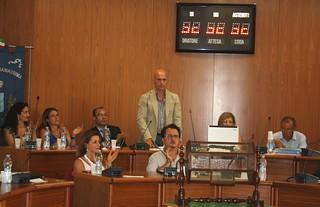 Casamassima- Il sindaco Cessa e i suoi assessori durante la lettura delle linee programmatiche
