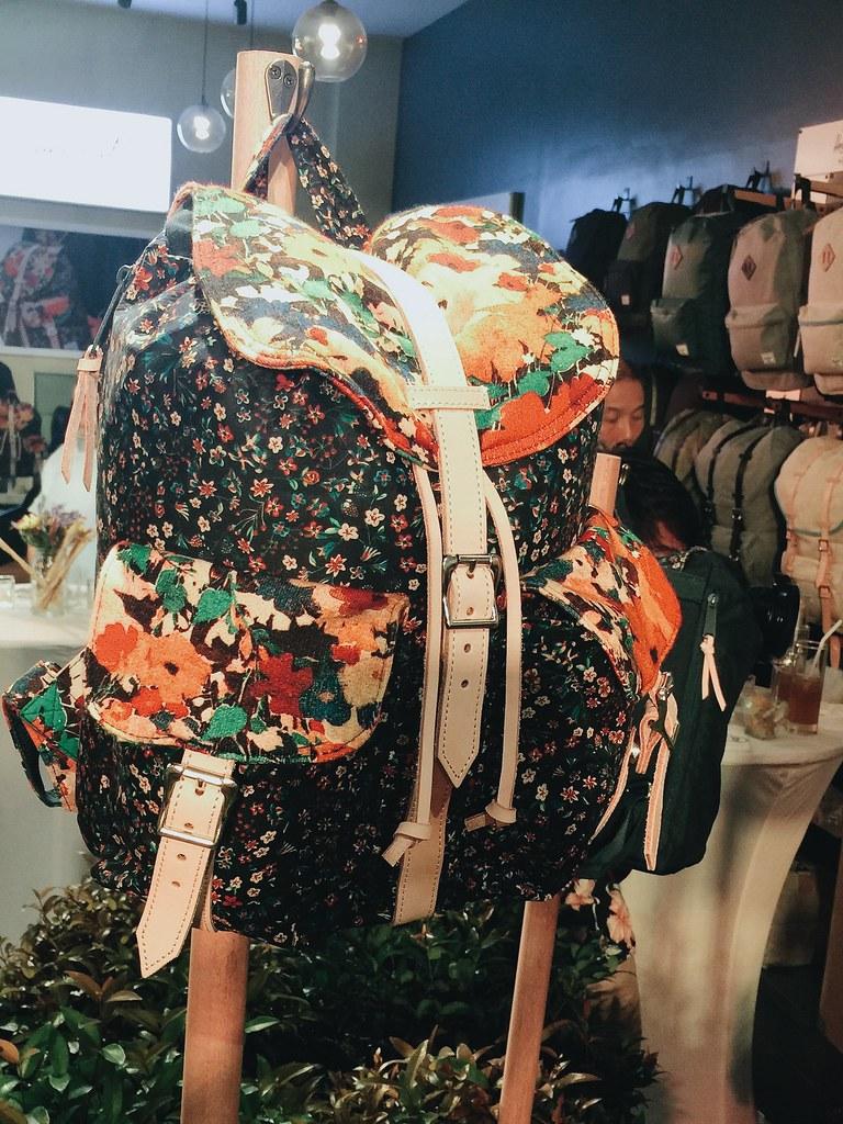 herschel-floral-backpack