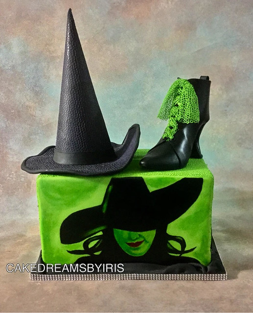 Wicked Musical Inspired Themed Cake by Iris Rezoagli