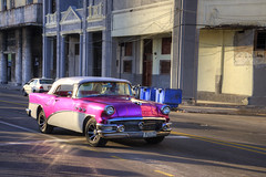 12-31-16-3803-Pink and White Buick