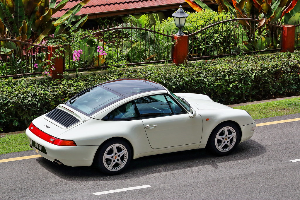 Porsche 993 Targa - The Glass Roof Supercar