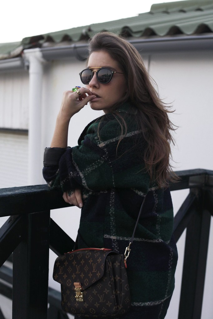 020_Green_tartan_coat_theguestgirl_outfit_laura_santolaria_blogger_barcelona_influencers_inspo_looks_casual
