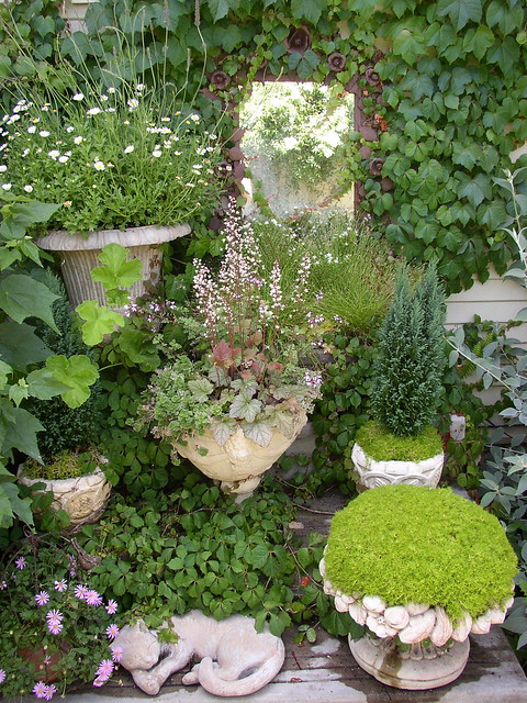 Creative gardening in small urban spaces a photo on flickriver - Small urban spaces image ...