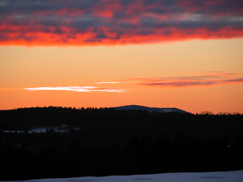 concord newhampshire sunset skiarea patspeak nightskiing red