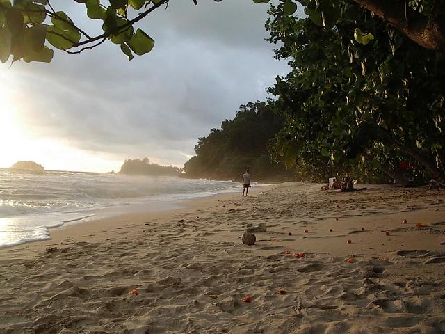 Ko Chang Beach - Flickr CC rightee
