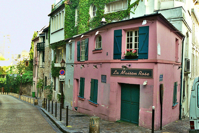 La maison rose de la butte montmartre flickr photo for Autour de la maison rose