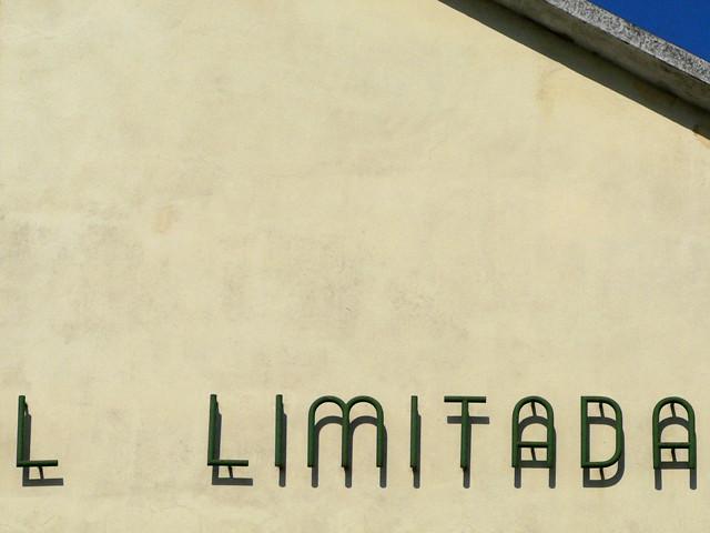 L limitada