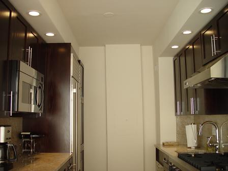 Galley Kitchen Designs on Galley Kitchen Decorating Ideas