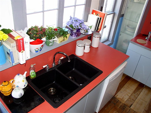 flowers windows red white flower window kitchen grey sink tea gray newhampshire teapot warren teapots remodel
