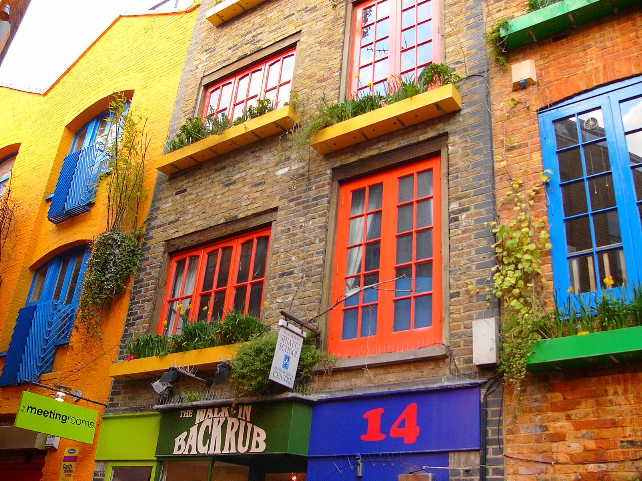 Pretty Windows at Neal\'s Yard - a photo on Flickriver