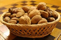 nuts & seeds(0.0), produce(1.0), fruit(1.0), food(1.0), nut(1.0), walnut(1.0),