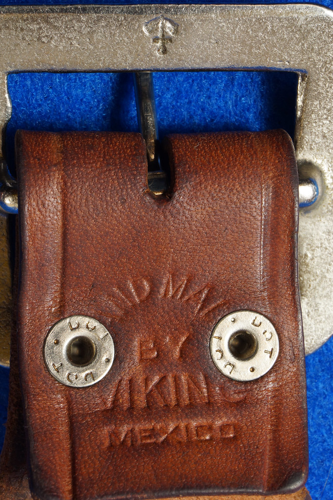 RD15060 Vintage Hand Made By Viking Mexican Leather Gun Ammo Belt .22L 7012 43 inch Long DSC07344
