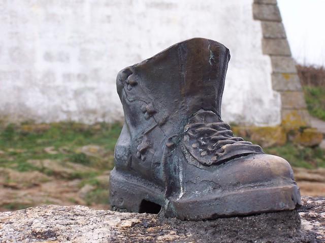 Pilgrim's Boot - Finisterre  - Galicia Navidad 2005
