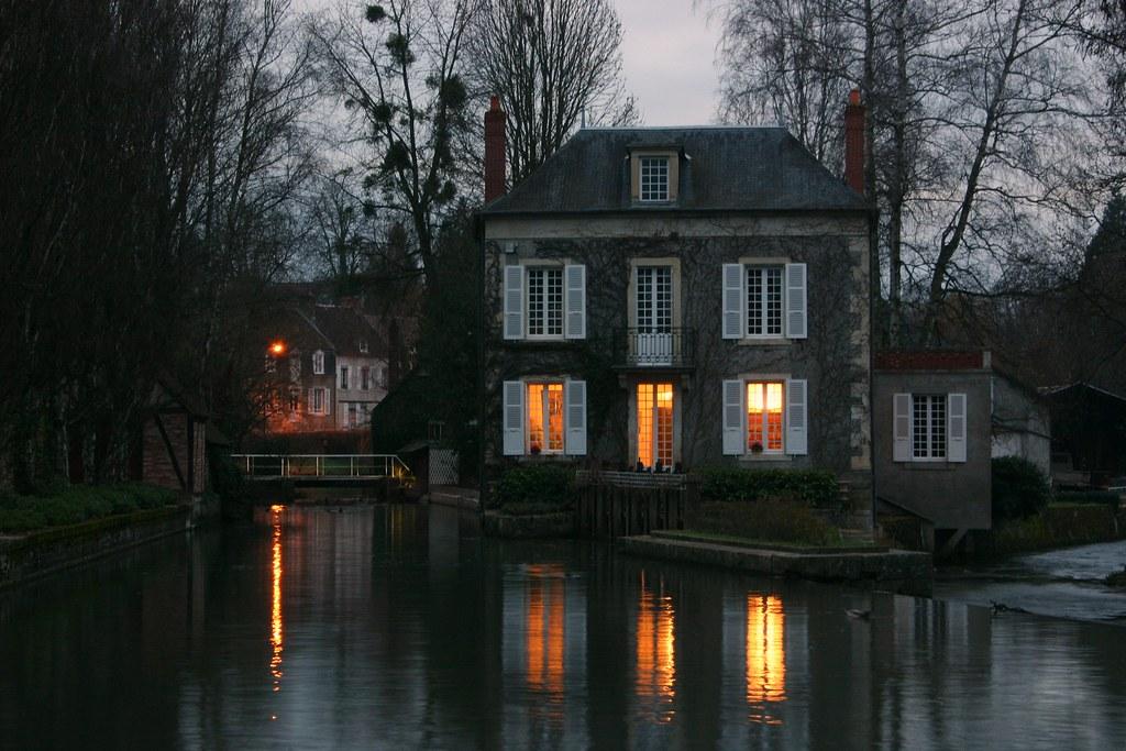 La maison sur la rivière