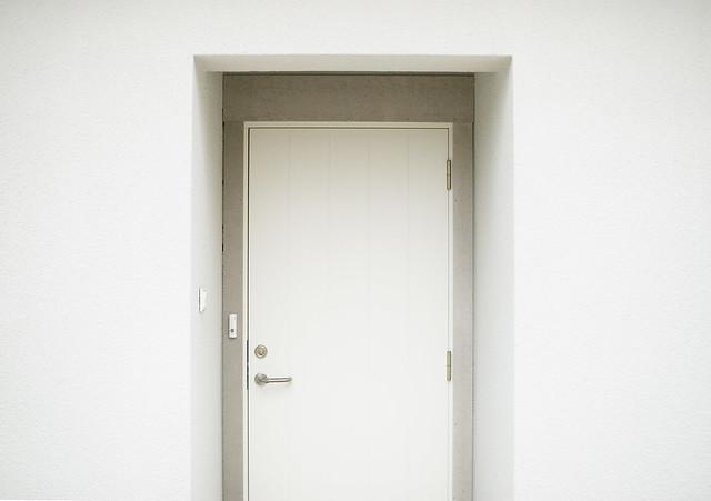 & Plain Door