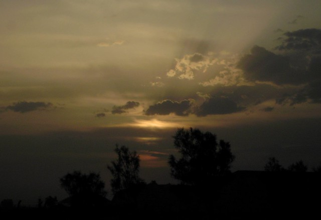 20050428191200lsaanacondairaq has sunset