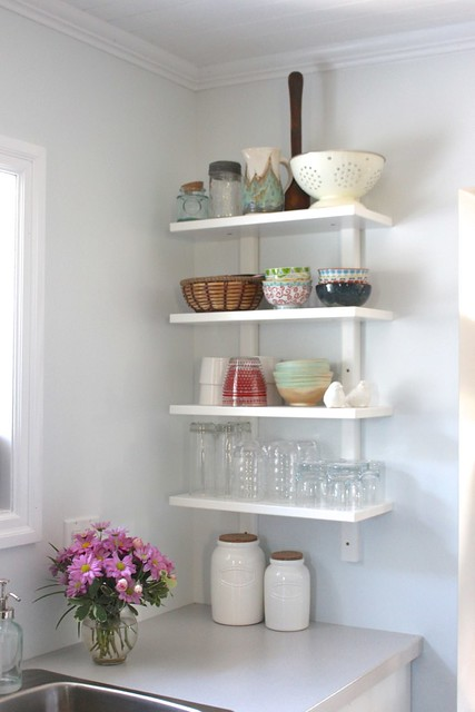 farmhouse-white-kitchen-open-shelves