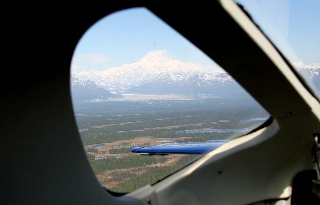 Around Mount McKinley (Denali) 6194m
