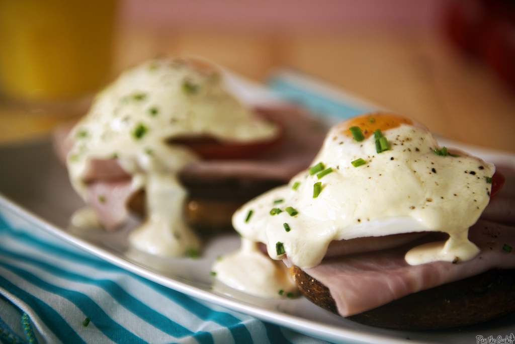 Quick & Easy Eggs Benedict for Two \ GirlCarnivore.com