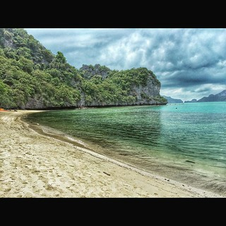 Image of Chaloklum Beach (หาดโฉลกหลำ) Haad Khuad. square squareformat juno iphoneography instagramapp uploaded:by=instagram
