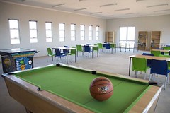 classroom(0.0), indoor games and sports(1.0), billiard room(1.0), leisure centre(1.0), play(1.0), room(1.0), recreation room(1.0), games(1.0),