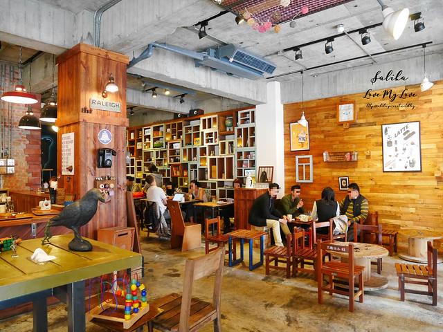 台北小巨蛋站不限時咖啡館餐廳小破爛咖啡CAFE JUNKIES